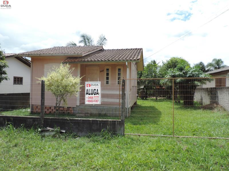 Casa Codigo 2229598 para Locacao no bairro Morro Estevão na cidade de Criciúma