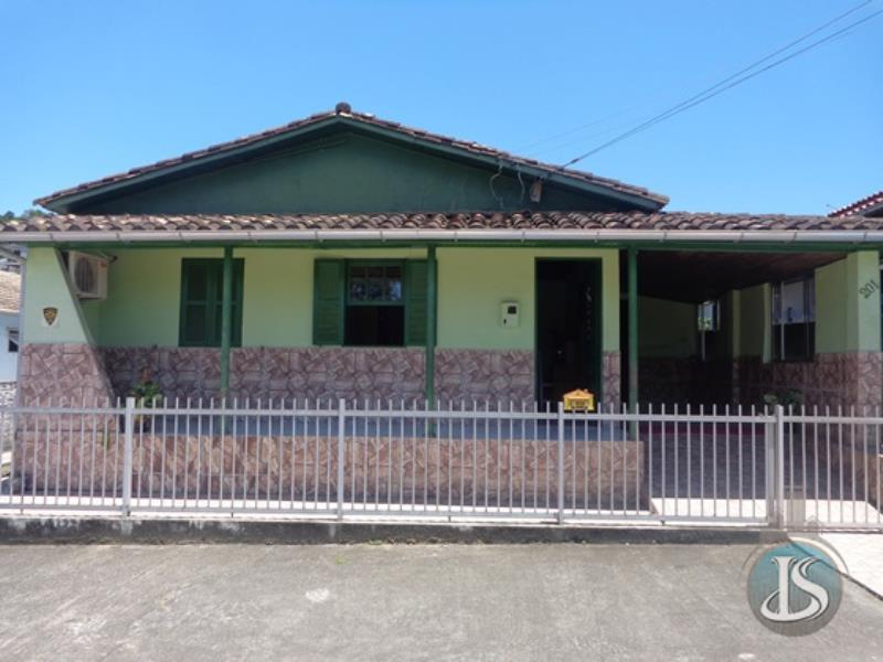 Casa Código 13548 Aluguel Anual e Venda no bairro De Villa na cidade de Urussanga