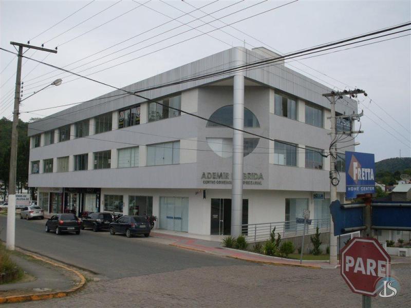 Garagem / Box Código 13735 Aluguel Anual no bairro Centro na cidade de Urussanga