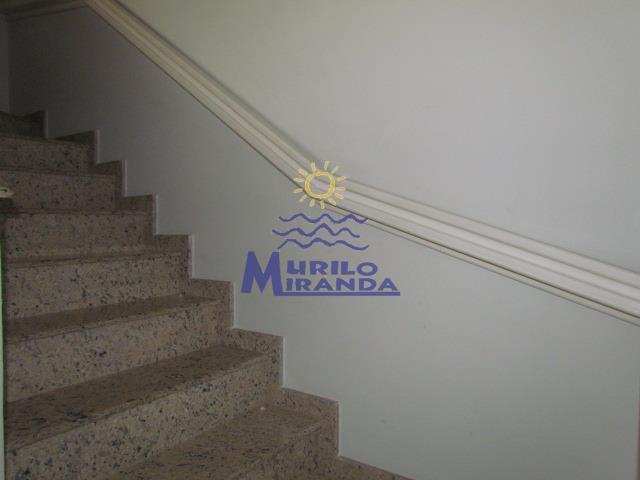 Escada de acesso a parte superior do imóvel
