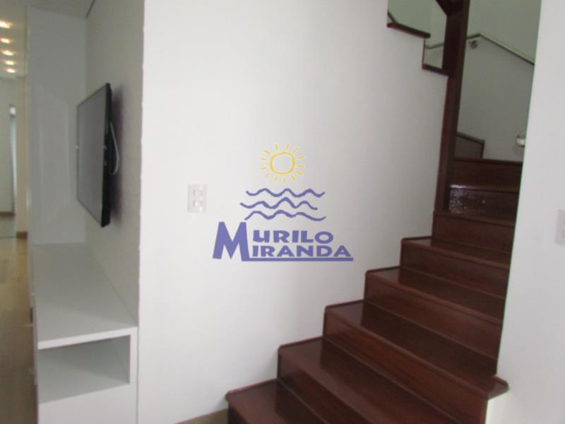 Escada de acesso aos dormitórios