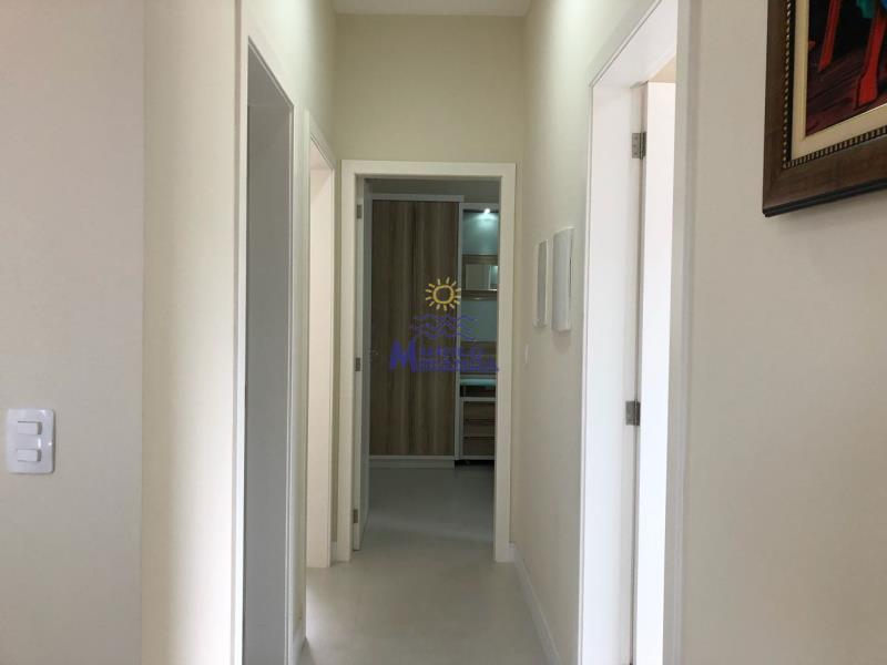 Corredor de acesso aos dormitórios e bwc social