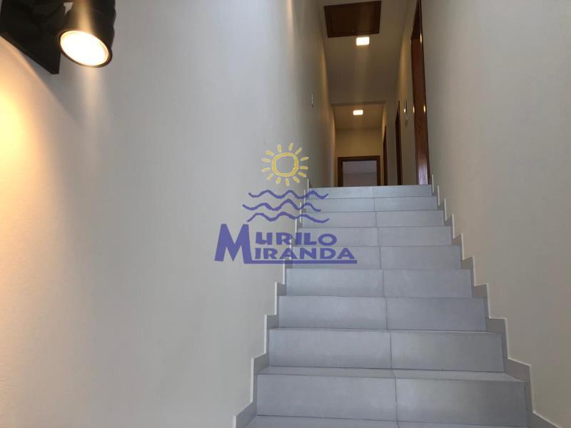 Escada de acesso à parte superior do imóvel
