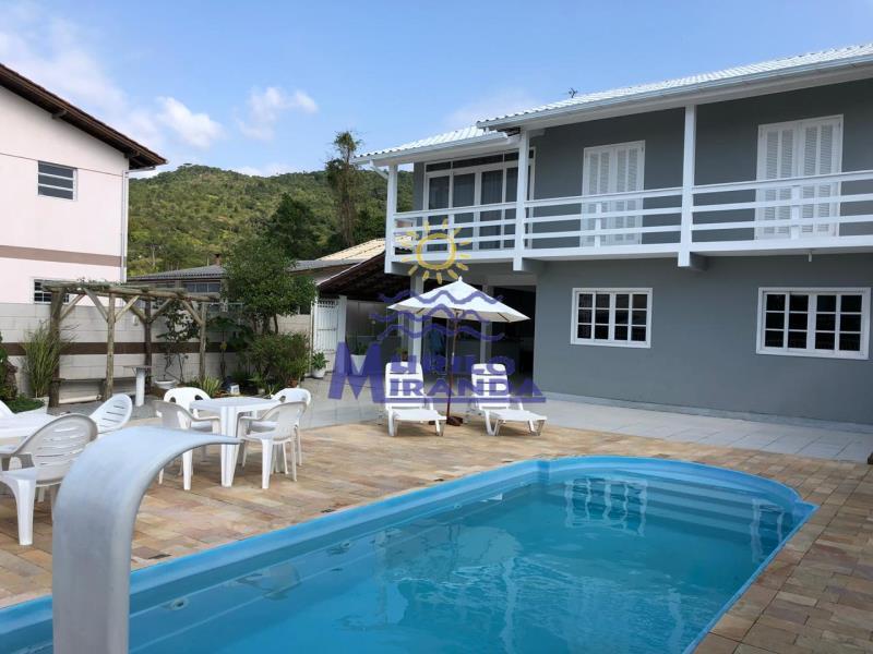Casa Codigo 243 para locação de temporada no bairro PALMAS na cidade de Governador Celso Ramos