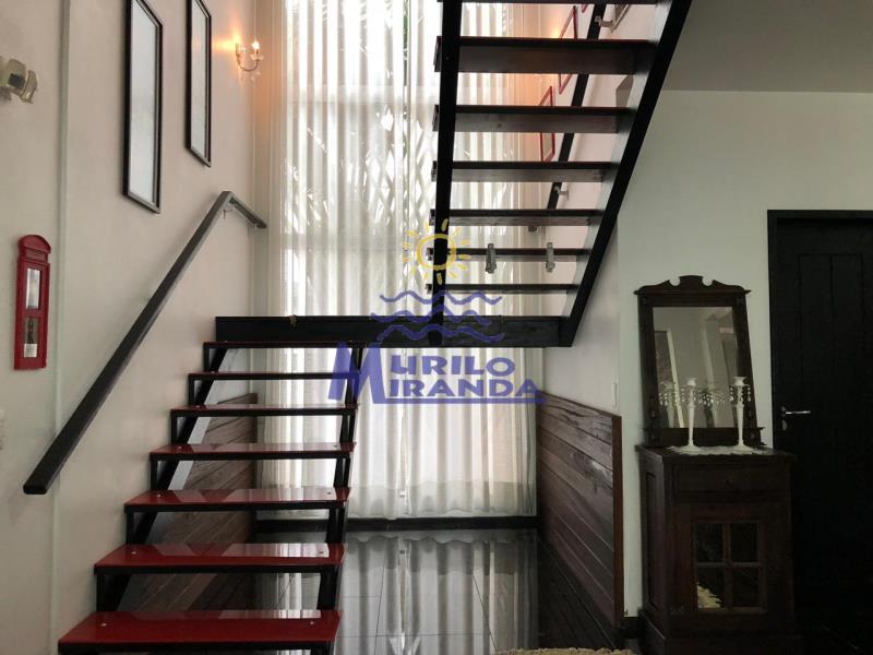 Escada de acesso a parte superior