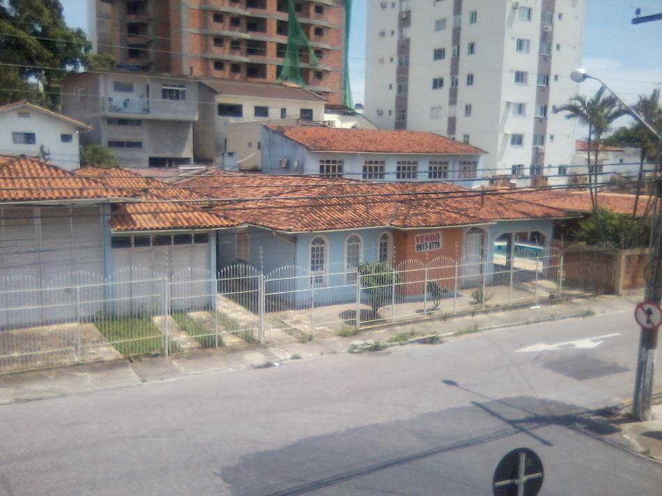 Casa-Codigo-417-a-Venda-no-bairro-Barreiros-na-cidade-de-São-José