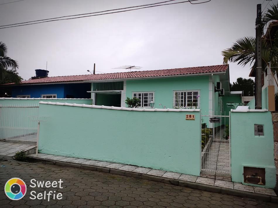 Casa-Codigo-751-a-Venda-no-bairro-Ingleses-do-Rio-Vermelho-na-cidade-de-Florianópolis