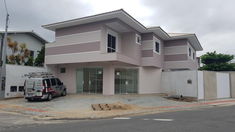 Sala-Codigo-811-para-Alugar-no-bairro-Areias-na-cidade-de-São-José