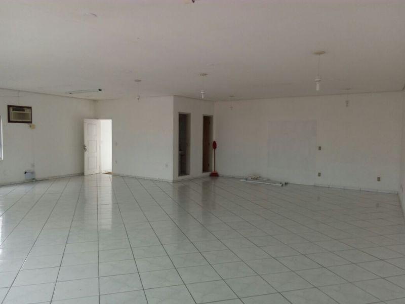 Sala-Codigo-143-para-Locacao-no-bairro-Capoeiras-na-cidade-de-Florianópolis