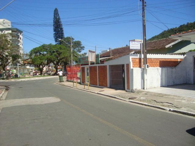 Casa-Codigo-598-a-Venda-no-bairro-Saco dos Limões-na-cidade-de-Florianópolis