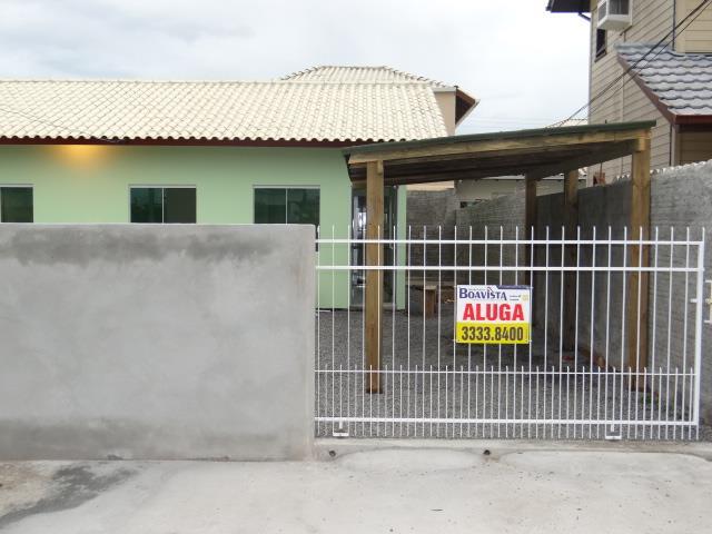 Casa-Codigo-764-para-alugar-no-bairro-Carianos-na-cidade-de-Florianópolis