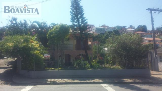 Casa-Codigo-907-a-Venda-no-bairro-José Mendes-na-cidade-de-Florianópolis