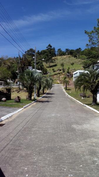 Terreno-Codigo-975-a-Venda-no-bairro-Cachoeira do Bom Jesus-na-cidade-de-Florianópolis