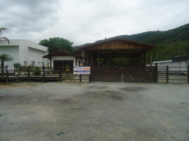 Galpão Código 70 para alugar no bairro Vargem dos Pinheiros na cidade de Santo Amaro da Imperatriz Condominio