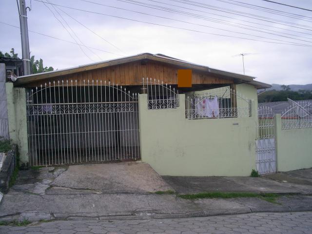 Casa Código 400 a Venda no bairro Caminho Novo na cidade de Palhoça Condominio