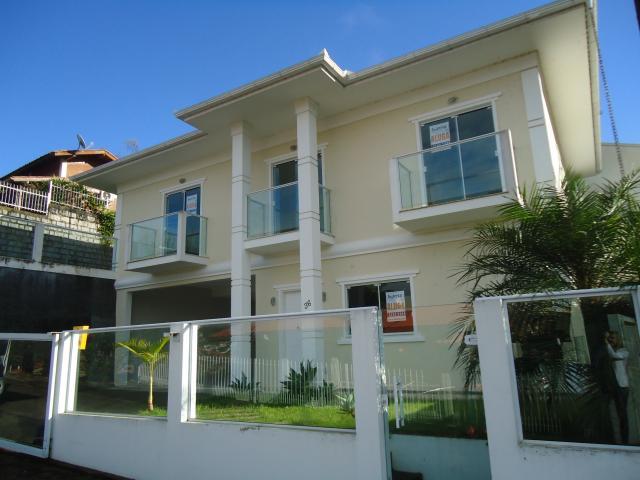 Casa Código 505 a Venda no bairro Centro na cidade de Santo Amaro da Imperatriz Condominio
