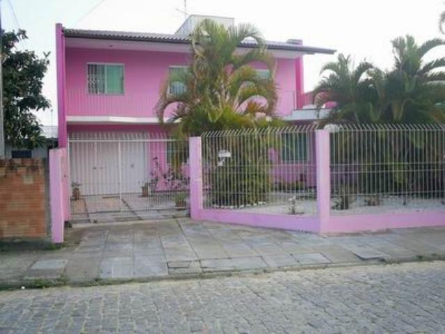 Casa Código 565 a Venda no bairro Centro na cidade de Palhoça Condominio