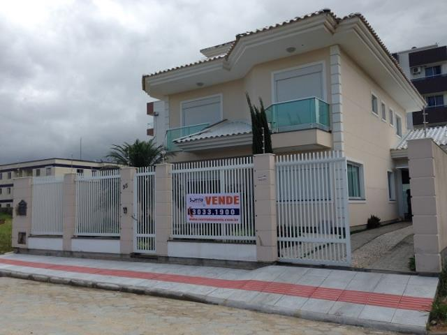 Casa Código 568 a Venda no bairro Centro na cidade de Palhoça Condominio