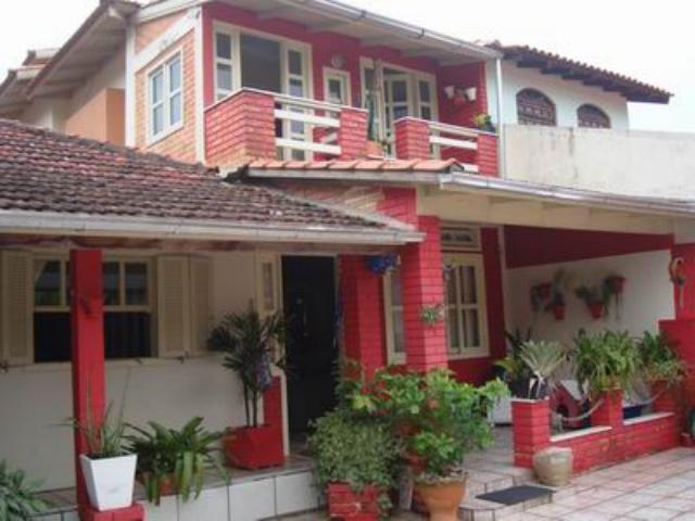 Casa Código 749 a Venda no bairro Praia de Fora na cidade de Palhoça Condominio