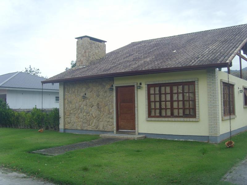 Casa Código 1107 a Venda no bairro Sul do Rio na cidade de Santo Amaro da Imperatriz Condominio condomínio golden garden