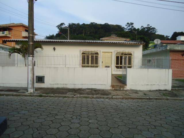 Casa Código 2036 a Venda no bairro Fazenda Santo Antônio na cidade de São José Condominio