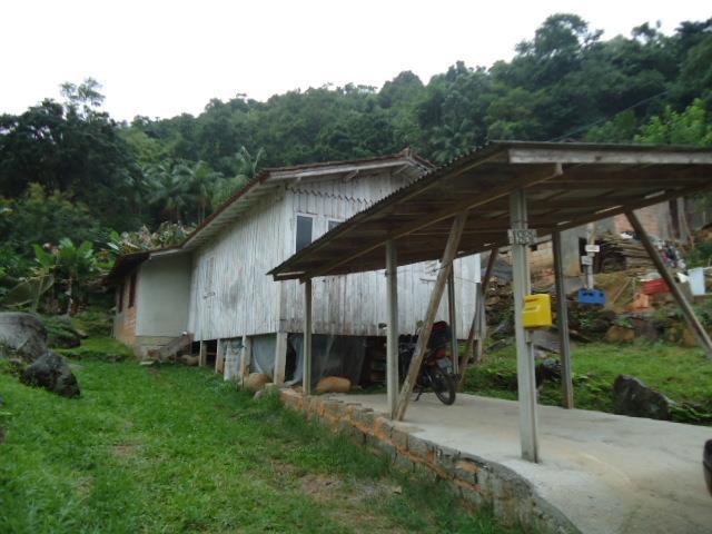 Casa Código 2060 a Venda no bairro Vargem dos Pinheiros na cidade de Santo Amaro da Imperatriz Condominio
