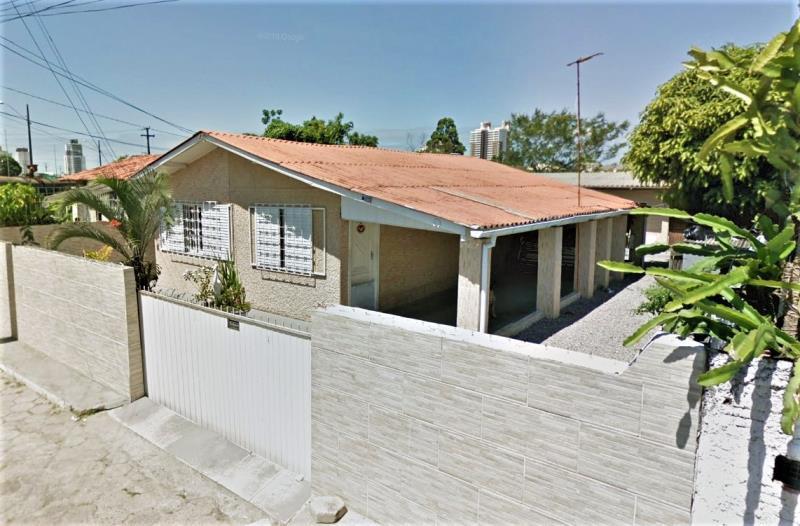 Casa Código 2294 a Venda  no bairro Centro na cidade de Palhoça