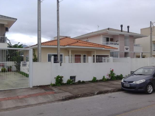 Casa Código 2621 a Venda no bairro Nova Palhoça na cidade de Palhoça Condominio