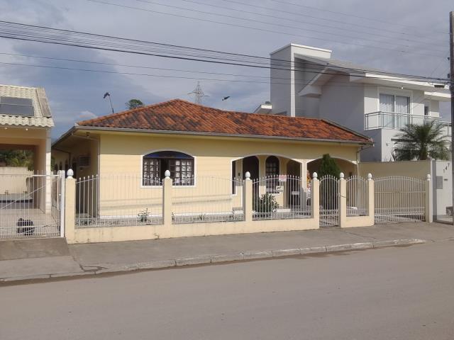 Casa Código 2647 a Venda no bairro Centro na cidade de Palhoça Condominio