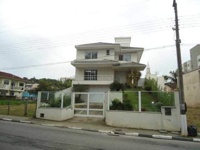 Casa Código 2670 a Venda no bairro Centro na cidade de Santo Amaro da Imperatriz Condominio