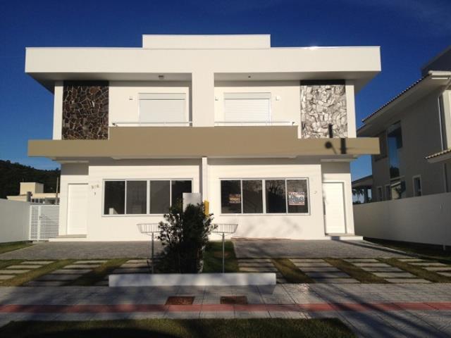 Casa Código 2704 a Venda no bairro Cachoeira do Bom Jesus na cidade de Florianópolis Condominio