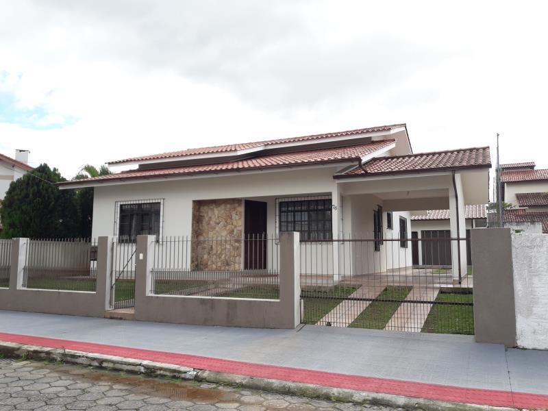 Casa Código 2898 a Venda  no bairro Centro na cidade de Palhoça