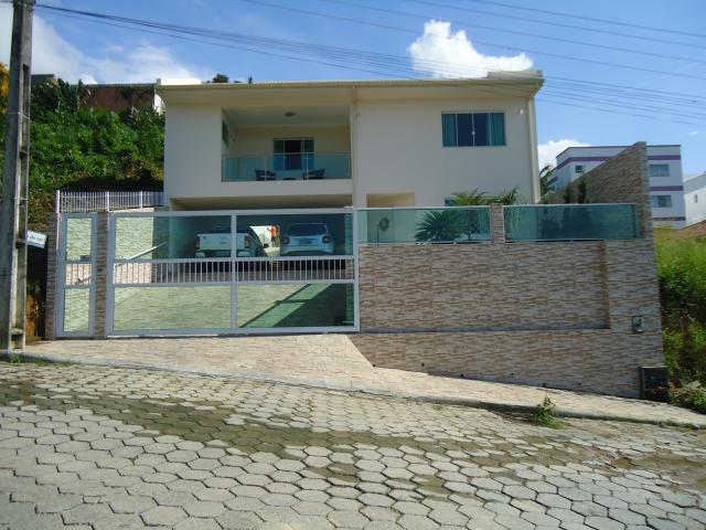 Casa Código 3056 a Venda no bairro São Francisco na cidade de Santo Amaro da Imperatriz Condominio loteamento tereza cristina