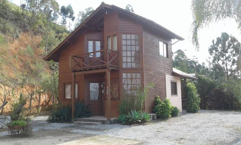 Casa Código 3085 para alugar no bairro Centro na cidade de Águas Mornas Condominio
