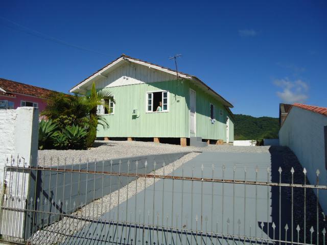 Casa Código 3362 a Venda no bairro Centro na cidade de Santo Amaro da Imperatriz Condominio