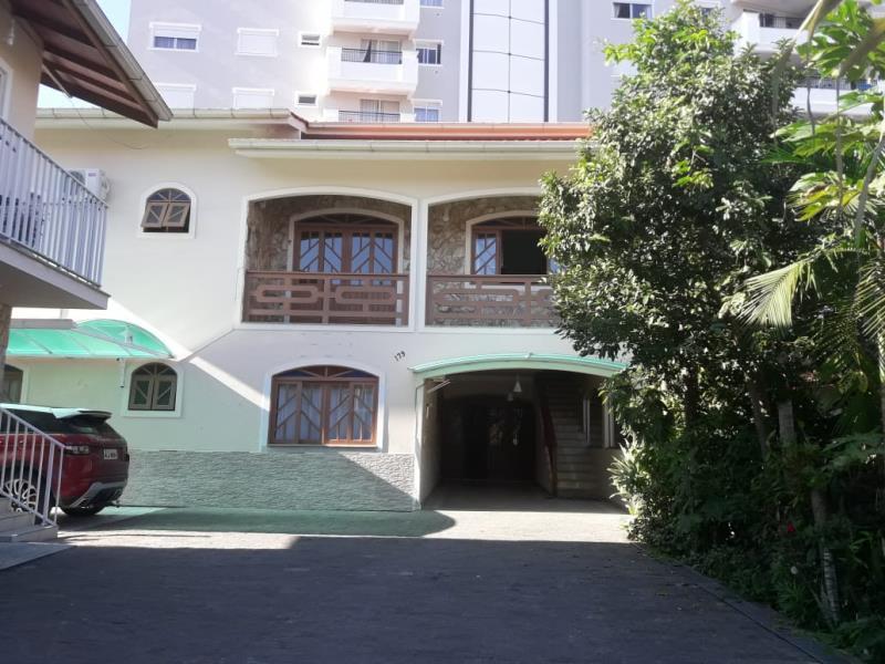 Casa Código 3381 para alugar no bairro Centro na cidade de Santo Amaro da Imperatriz Condominio