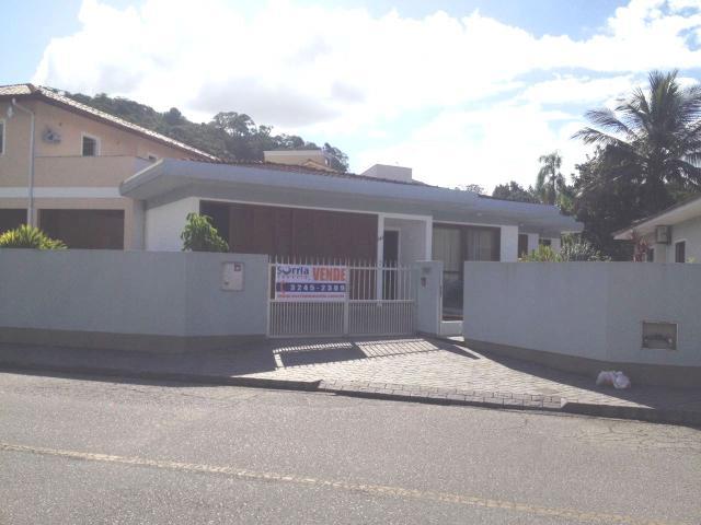 Casa Código 3385 a Venda no bairro Centro na cidade de Santo Amaro da Imperatriz Condominio