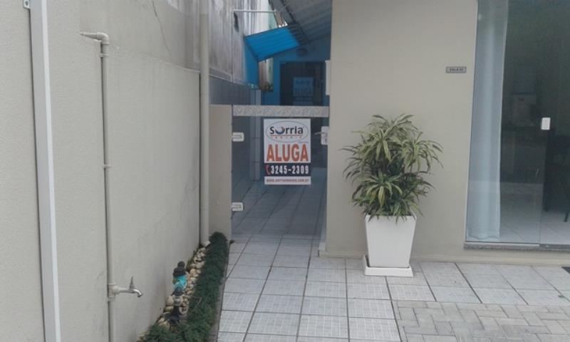 Sala Código 3452 para Alugar  no bairro Centro na cidade de Santo Amaro da Imperatriz