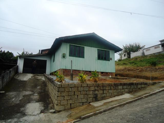 Casa Código 3534 a Venda no bairro São Francisco na cidade de Santo Amaro da Imperatriz Condominio