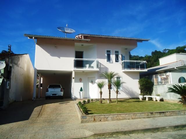 Casa Código 3558 a Venda no bairro Centro na cidade de Santo Amaro da Imperatriz Condominio