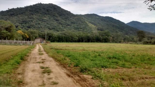 Sítio Código 3580 a Venda no bairro Maciambú na cidade de Palhoça Condominio
