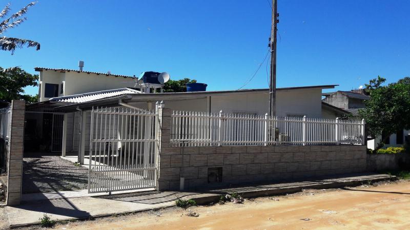 Casa Código 3718 a Venda no bairro Pontal na cidade de Palhoça Condominio