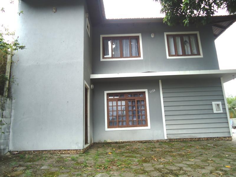 Casa Código 3731 a Venda no bairro Fabricio na cidade de Santo Amaro da Imperatriz Condominio