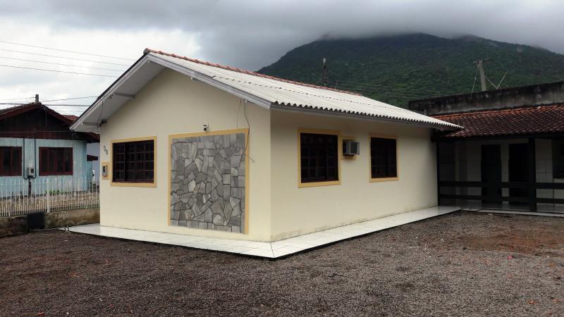 Casa Código 3734 a Venda no bairro Guarda do Cubatão na cidade de Palhoça Condominio