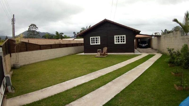 Casa Código 3828 a Venda no bairro Braço São João na cidade de Santo Amaro da Imperatriz Condominio