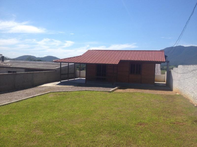 Casa Código 3829 a Venda no bairro Vila Santana na cidade de Santo Amaro da Imperatriz Condominio