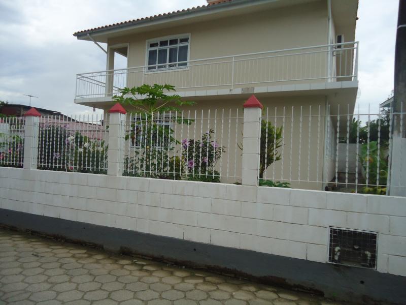 Casa Código 3857 a Venda no bairro Guarda do Cubatão na cidade de Palhoça Condominio