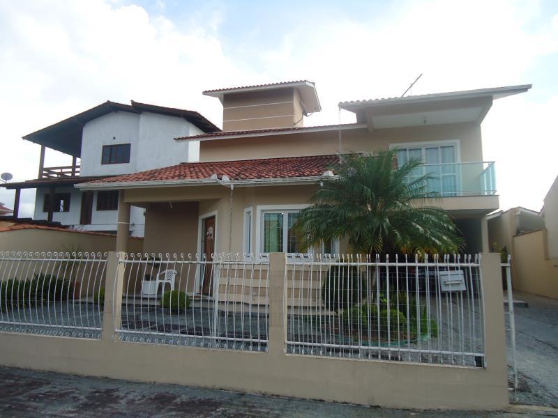 Casa Código 3873 a Venda no bairro São Francisco na cidade de Santo Amaro da Imperatriz Condominio