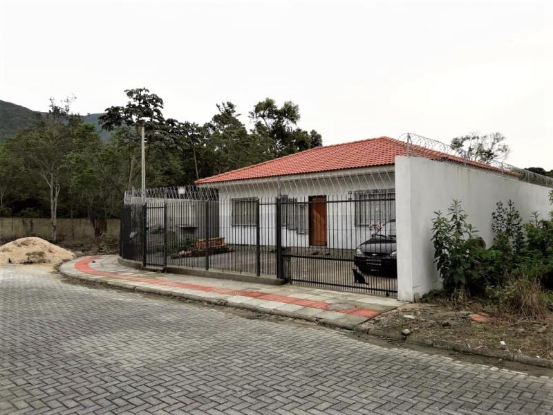 Casa Código 4063 a Venda no bairro Praia de Fora na cidade de Palhoça Condominio loteamento igaraty ii