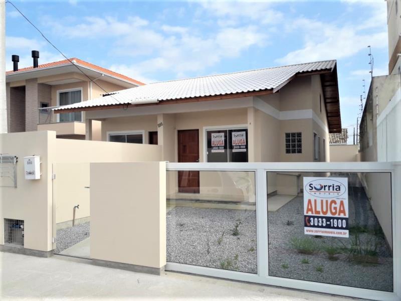 Casa Código 4131 para Alugar  no bairro Barra do Aririú na cidade de Palhoça